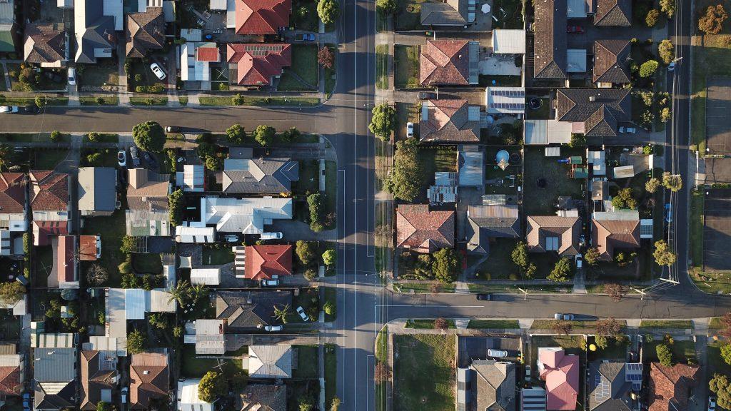 Comment négocier le prix de vente d'un bien immobilier - s'informer sur le marché immobilier dans la zone de votre choix